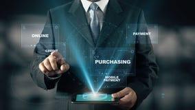 Ο επιχειρηματίας με την κινητή έννοια ολογραμμάτων αγορών επιλέγει την πίστωση από τις λέξεις απεικόνιση αποθεμάτων