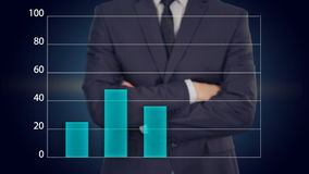 Ο επιχειρηματίας πιέζει ένα κουμπί στην οθόνη αφής επιχειρησιακή έννοια γραφικών παραστάσεων διανυσματική απεικόνιση