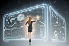 Ο επιχειρηματίας στη μεγάλη έννοια διαχείρισης δεδομένων Στοκ εικόνα με δικαίωμα ελεύθερης χρήσης