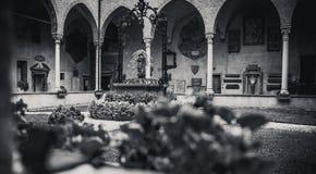 Ο εσωτερικός κήπος της βασιλικής Άγιος Anthony Στοκ Φωτογραφία