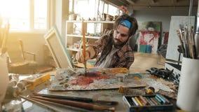 Ο ζωγράφος δημιουργεί την εικόνα απόθεμα βίντεο