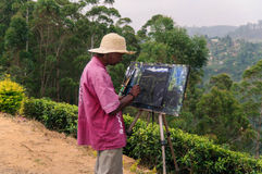 Ο ζωγράφος επισύρει την προσοχή στη φύση Στοκ εικόνα με δικαίωμα ελεύθερης χρήσης