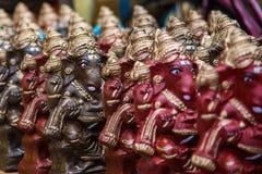 Ο ζωηρόχρωμος ινδός Θεός που ονομάζεται Ganapati για πωλεί στην αγορά στο Σινταμπαράμ, Tamilnadu, Ινδία στοκ φωτογραφία