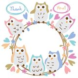 Ο ζωηρόχρωμος κύκλος κρητιδογραφιών κουκουβαγιών σας ευχαριστεί κάρτα προτύπων ελεύθερη απεικόνιση δικαιώματος