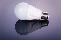 Οδηγημένη lightbulb αντανάκλαση στοκ εικόνα