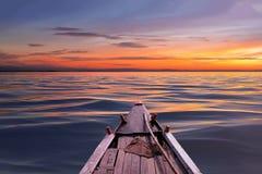 Οδηγώντας βάρκα Στοκ εικόνες με δικαίωμα ελεύθερης χρήσης