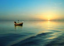 Οδηγώντας βάρκα στοκ εικόνες