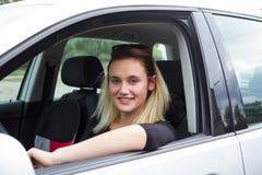οδηγώντας νεολαίες γυν Στοκ Φωτογραφία