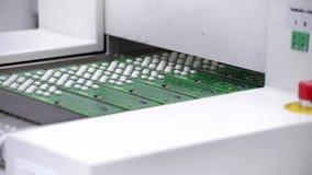 Ο ηλεκτρονικός τυπωμένος πίνακας κυκλωμάτων εισάγει το φούρνο επανακυκλοφορίας μεταφοράς αέρα φιλμ μικρού μήκους