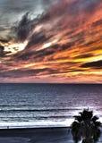 Ο ηλιοφώτιστος ουρανός είναι στο χρόνο ηλιοβασιλέματος στοκ φωτογραφία με δικαίωμα ελεύθερης χρήσης