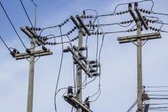 Ο ηλεκτρικός πόλος συνδέει Στοκ εικόνες με δικαίωμα ελεύθερης χρήσης