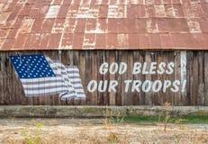 Ο Θεός ευλογεί τα στρατεύματά μας στοκ εικόνες