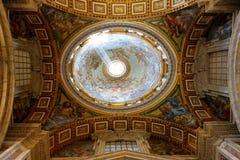 Ο θόλος της βασιλικής του ST Peter στοκ φωτογραφία