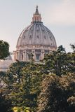 Ο θόλος της βασιλικής του ST Peter στη πόλη του Βατικανού στη Ρώμη, αυτό στοκ εικόνα