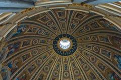 Ο θόλος Basilica Di SAN Pietro - καταπληκτική Ρώμη, Ιταλία Στοκ Εικόνα