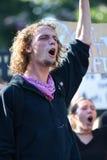 Ο διαμαρτυρόμενος απευθύνεται στο πλήθος Στοκ Εικόνα