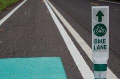 Οδικά σημάδια της παρόδου ποδηλάτων στην Ταϊλάνδη Στοκ εικόνα με δικαίωμα ελεύθερης χρήσης