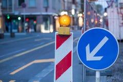 οδικές εργασίες εγκαταστάσεων τάφρων κατασκευής Στοκ εικόνα με δικαίωμα ελεύθερης χρήσης