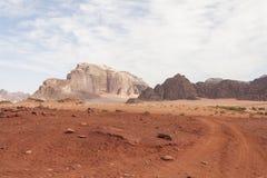 Οδική έρημος ρουμιού της Ιορδανίας Wadi Στοκ Φωτογραφία