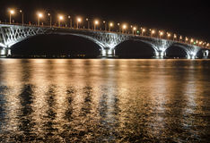 Οδική γέφυρα τη νύχτα Στοκ φωτογραφίες με δικαίωμα ελεύθερης χρήσης