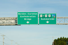 Οδικό σημάδι γεφυρών συνομοσπονδίας - PEI - Καναδάς Στοκ Εικόνα
