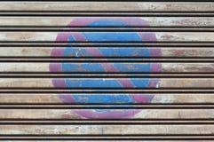 Οδικό σημάδι κανένας χώρος στάθμευσης που χρωματίζεται Στοκ Εικόνα