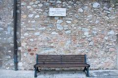 Οδικό σημάδι που υποβάλλει ένα όνομα οδών στα ιταλικά Στοκ φωτογραφία με δικαίωμα ελεύθερης χρήσης