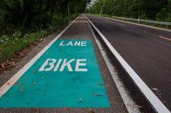 Οδικό σημάδι ποδηλάτων στην άσφαλτο στην Ταϊλάνδη Στοκ Εικόνες