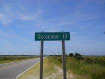 Οδικό σημάδι τραπεζών Ocracoke εξωτερικό στοκ φωτογραφία
