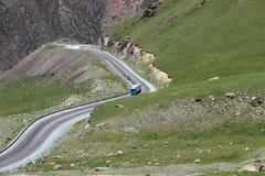 οδικό serpentine βουνών στοκ φωτογραφία με δικαίωμα ελεύθερης χρήσης