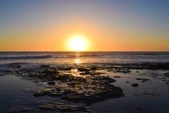 Ολισθήσεις της The Sun στη θάλασσα στη Λα Χόγια, Καλιφόρνια Στοκ Φωτογραφία
