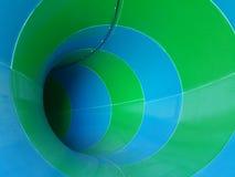 Ολισθαίνων ρυθμιστής στο waterpark Στοκ Φωτογραφίες