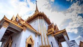 Ο ιστορικός ναός χαρακτηρίζει ένα επιχρυσωμένο εξωτερικό, εκθέσεις φιλμ μικρού μήκους