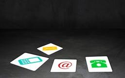 Ο ιστοχώρος και Διαδίκτυο μας έρχονται σε επαφή με έννοια Στοκ εικόνες με δικαίωμα ελεύθερης χρήσης