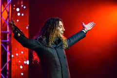 Ο ιταλικός τραγουδιστής Danielle Lamberto που αποδίδει στη σκηνή κατά τη διάρκεια της μεγάλης μουσικής της Apple απονέμει τη συνα Στοκ Φωτογραφίες