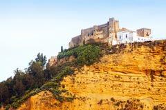 15ο κάστρο στον απότομο βράχο arcos de frontera Λα Στοκ Φωτογραφίες