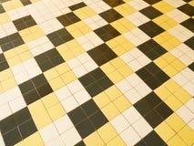 Ο κίτρινος λευκός Μαύρος Roofling Στοκ φωτογραφίες με δικαίωμα ελεύθερης χρήσης