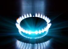 Ο καίγοντας φανός στη σόμπα αερίου στοκ εικόνα με δικαίωμα ελεύθερης χρήσης