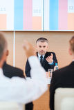Ο καθένας είναι ευπρόσδεκτος για τη συζήτηση Στοκ Φωτογραφία