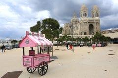Ο καθεδρικός ναός της Μασσαλίας είναι Ρωμαίος - καθολικός καθεδρικός ναός, και ένα εθνικό μνημείο της Γαλλίας, που βρίσκεται στη  Στοκ Εικόνες