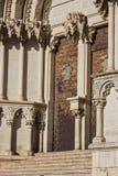 Ο καθεδρικός ναός Cuenca, λεπτομέρεια της λεπτομέρειας της πρόσοψης του Cuenca ` s καθεδρικού ναού, ο καθεδρικός ναός αφιερώνεται Στοκ Φωτογραφία