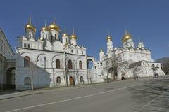 Ο καθεδρικός ναός του αρχαγγέλου και καθεδρικός ναός Annunciation στη Μόσχα Κρεμλίνο Στοκ εικόνες με δικαίωμα ελεύθερης χρήσης