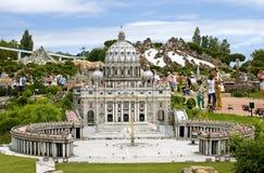 Ο καθεδρικός ναός του ST Peter στο Βατικανό, πάρκο Ιταλία Στοκ Φωτογραφίες