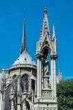 Ο καθεδρικός ναός notre-κυρία de Παρίσι, ο τετραγωνικός Jean ΧΧΙΙΙ και Στοκ φωτογραφία με δικαίωμα ελεύθερης χρήσης