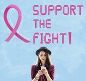 Ο καρκίνος του μαστού θεωρεί την έννοια ασθένειας γυναικών ελπίδας Στοκ Φωτογραφία