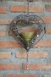 Ο καρδιά-διαμορφωμένος λαμπτήρας κεριών Στοκ φωτογραφία με δικαίωμα ελεύθερης χρήσης