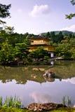 Χρυσό περίπτερο Kinkakuji στο Κιότο, Ιαπωνία Στοκ εικόνα με δικαίωμα ελεύθερης χρήσης