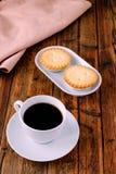 Ο καφές και κομματιάζει τις πίτες Στοκ Εικόνα
