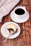 Ο καφές και κομματιάζει τις πίτες Στοκ εικόνες με δικαίωμα ελεύθερης χρήσης