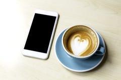 Ο καφές και χαλαρώνει Στοκ Φωτογραφίες